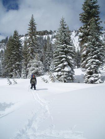 Sam skiing into Miller Lake.
