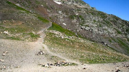 More trail between Col du Bonhomme and Lac Combal.